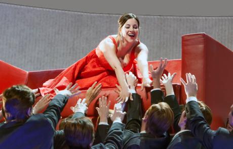 Canadian Opera Company announces NEW traviata production.